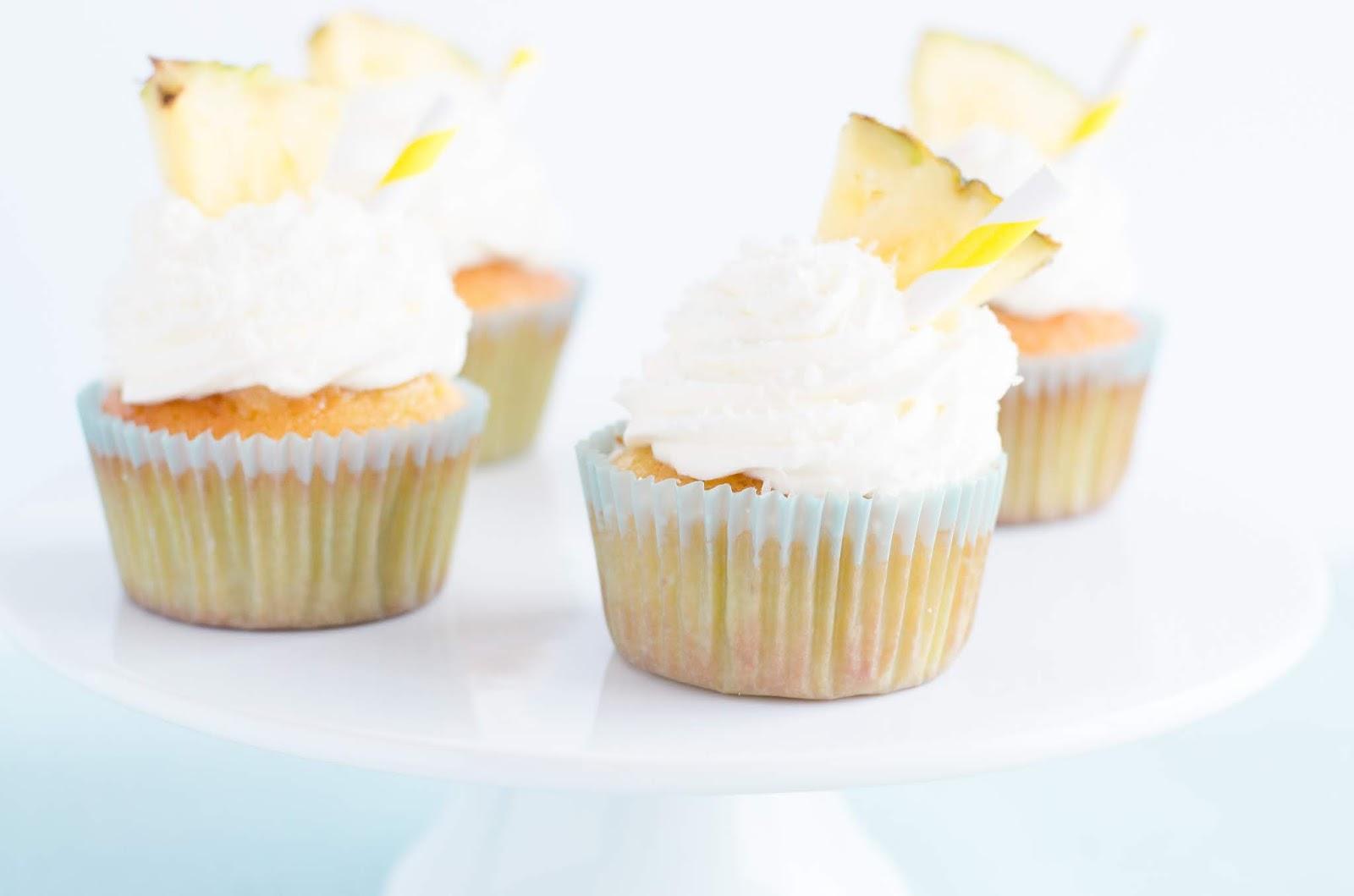 Cupcakes façon Pina Colada pour l'anniversaire de Calvados pour elles Chez Zodio Caen